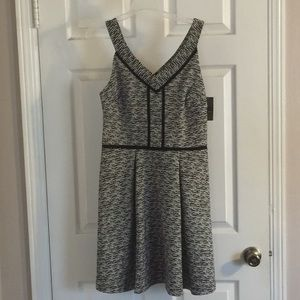 Mossimo black and white small patterned dress.